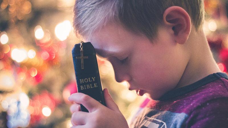 怖がる時はどうしたらいい?子どもが「霊が見える時の対処法」