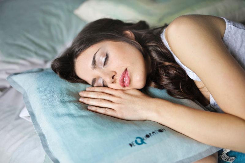 アナタの眠気はどこから?霊障による眠気の理由と対処法を伝授!