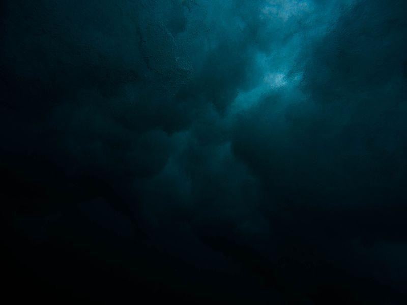 霊体?原因不明の「白い影」の正体・危険性とは…