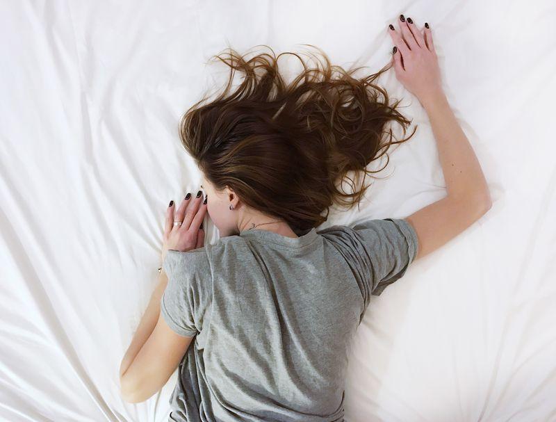 【なぜ?】身の回りで異変が続く…霊能師が教える原因と対処法